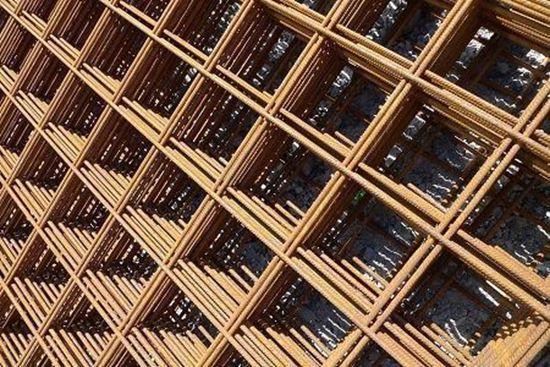 Plasa sudata 8 mm 2000 x 6000 mm (10 x 10 cm) pentru armarea structurilor.